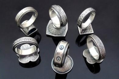 Enamelled Rings_reverse